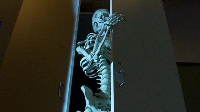skeleton-in-closet-1